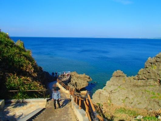 幼児(5歳と2歳)を連れた沖縄旅行。青の洞窟シュノーケリングツアー『ナチュラルブルー』の真栄田岬