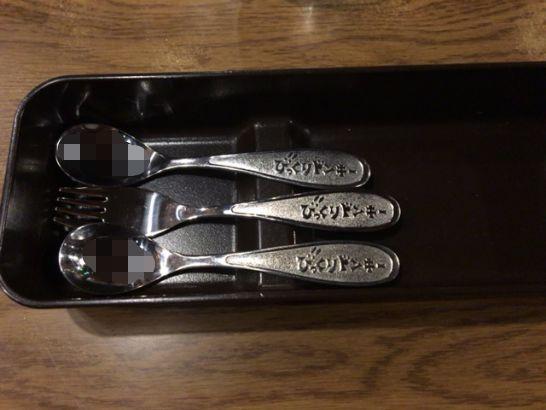 びっくりドンキーの子供用箸、フォーク、スプーン