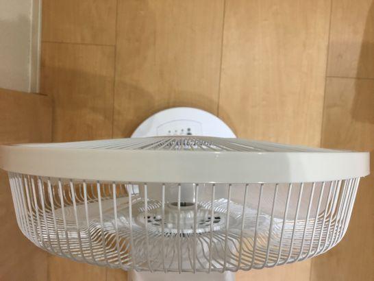 格安扇風機TEKNOSのカバーのデザインがフラット
