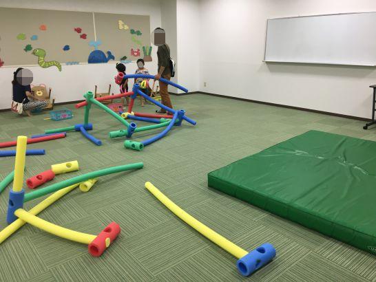 とよた子育て総合支援センター『あいあい』で体を使って遊ぶ部屋
