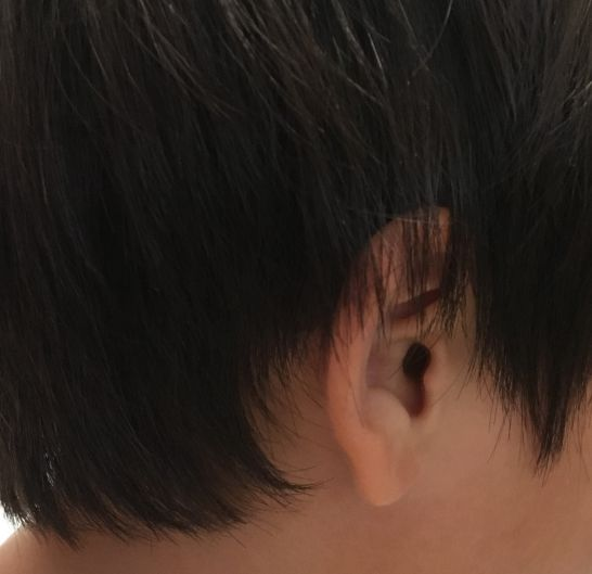 ヘアカット前の横側の髪の毛