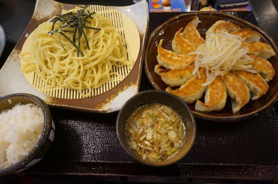 五味八珍の浜松餃子セットメニューのつけ麺