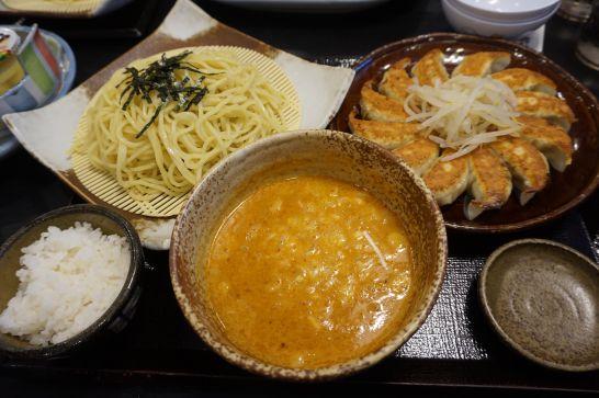 五味八珍の浜松餃子セットメニューの担担麺