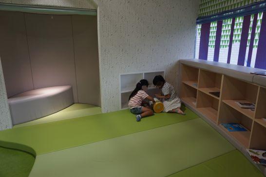 浜松科学館みらいーらのキッズ・サイエンス・ランドの絵本広場
