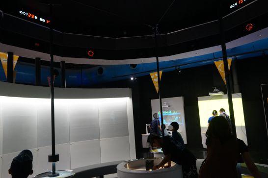 浜松科学館みらいーらの光のゾーンのアクティブ・ライト・シューティング