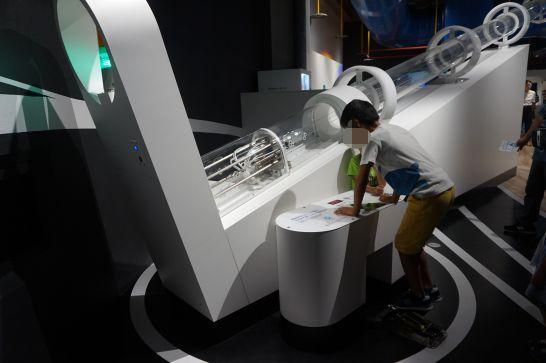 浜松科学館みらいーらの宇宙ゾーンのペットボトルロケット