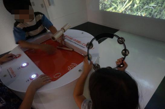 浜松科学館みらいーらの音ゾーンの響きの変わる部屋