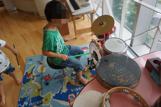 ドリームシアター岐阜の4階子どもエリアの楽器