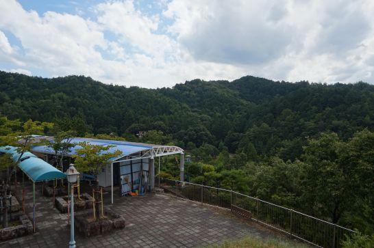 岐阜ファミリーパークのスーパーモービルの先にある展望台からの景色