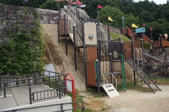 岐阜ファミリーパークのこどもゾーンのジェロニモ砦