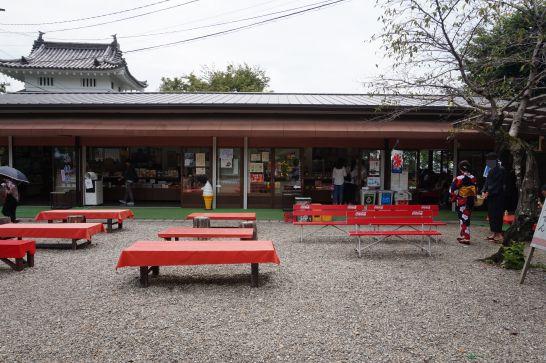 犬山城本丸内の売店