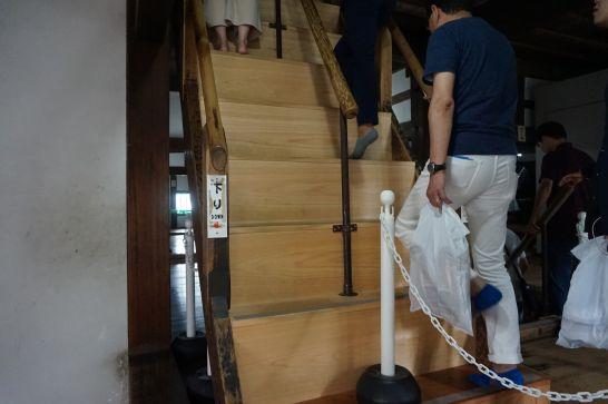 犬山城内の階段