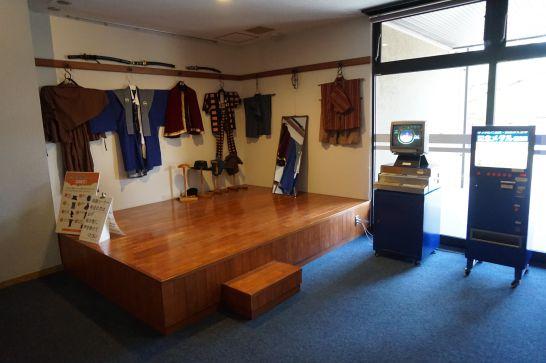 城とまちミュージアムの歴史体験コーナー(着付け体験)