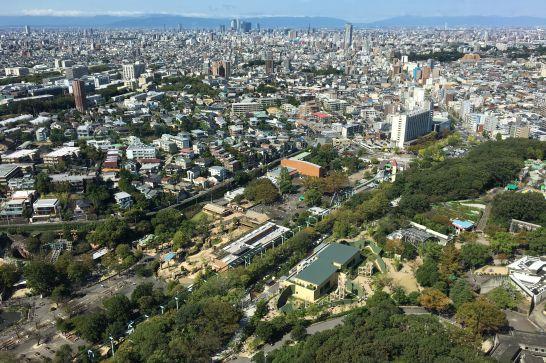 東山スカイタワー5階展望室からの眺め