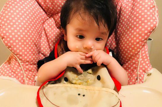 3歳未満に必要な食事用のエプロンは枚数がたくさん必要