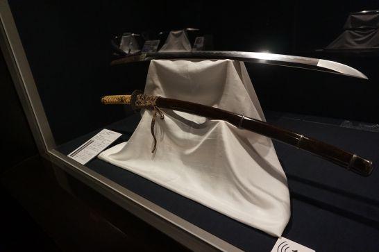 関鍛冶伝承館の1階展示の金重の刀