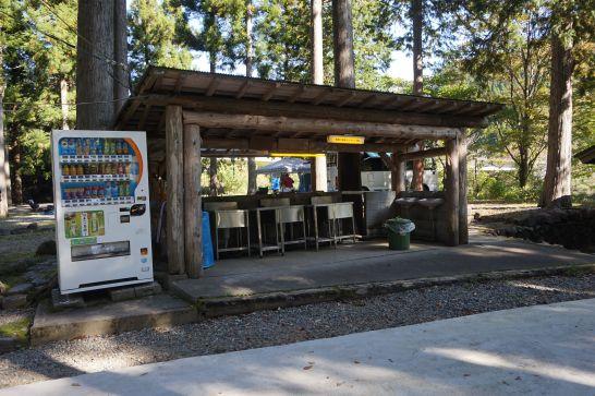 板取川温泉オートキャンプ場の炊事場