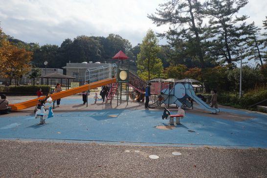 岡崎市動物総合センター前の公園