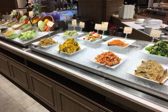 THE BUFFET WORLD TABLE(ビュッフェワールドテーブル)のサラダ