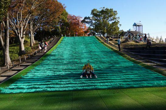 堀内公園の人工芝滑り